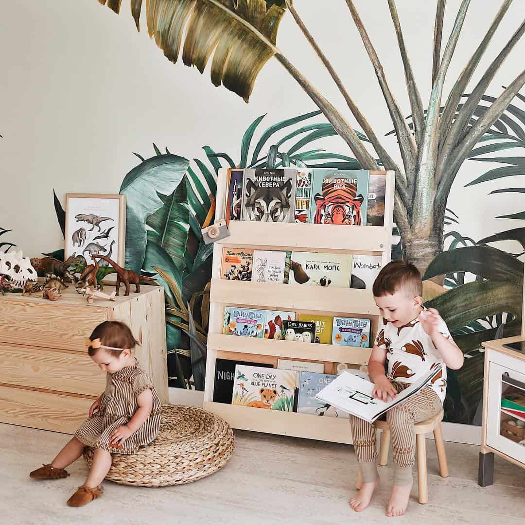 When less is more. Sustainable and timeless kids bookcases.