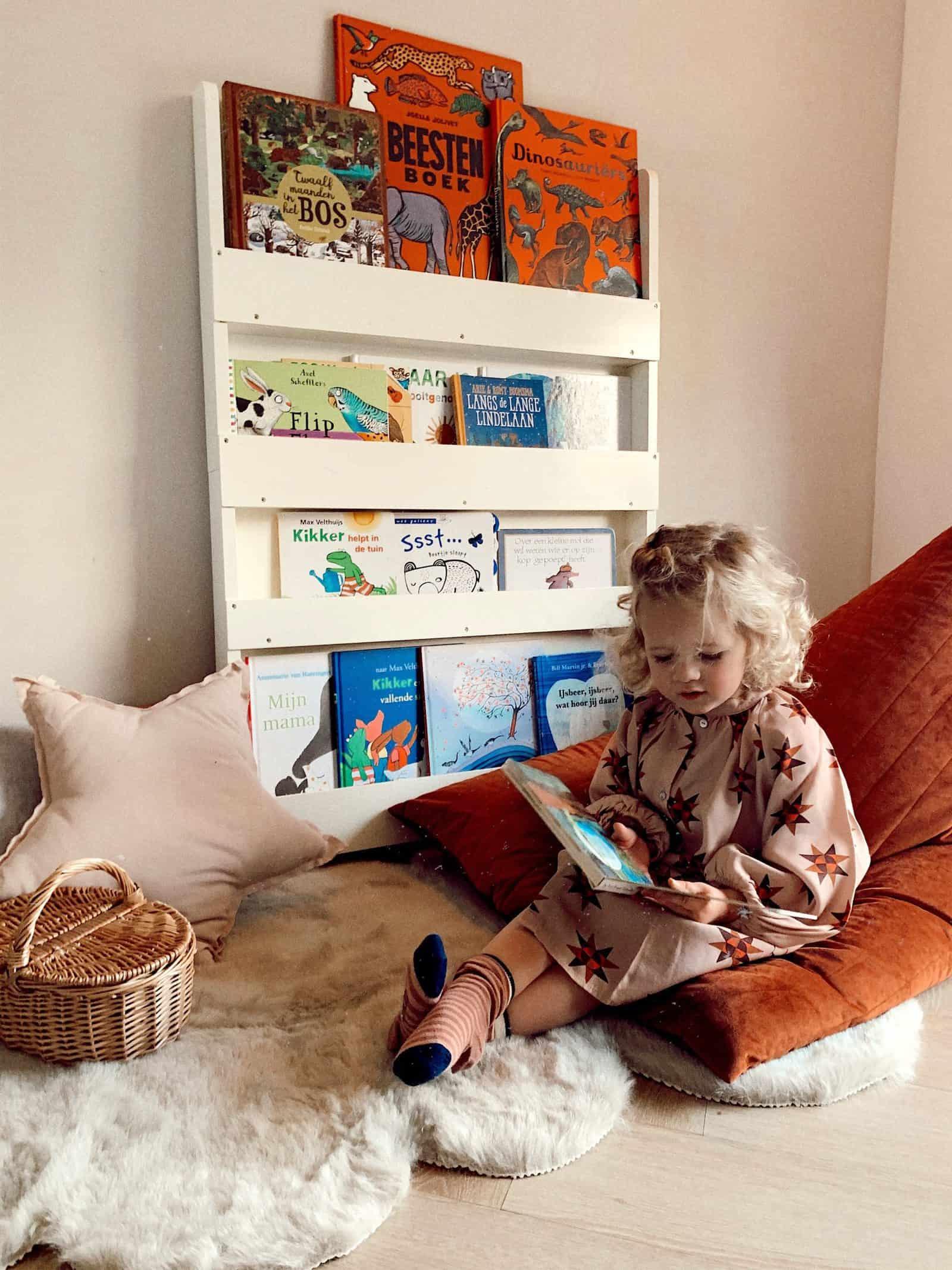 phone addiction, mobile phones, toddler phone, kids phone use, make reading a habit